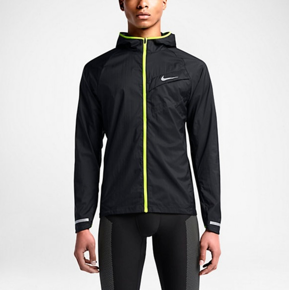 sneakers for cheap 1031d 909b6 Nike Impossibly Light Mens Running Jacket Black. M 5b67c5c4a31c33ea36ab25d0